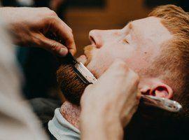 strzyżenie włosów i trymowanie brody