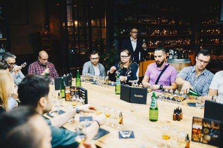 Degustacja whisky w salonie BlackBeard